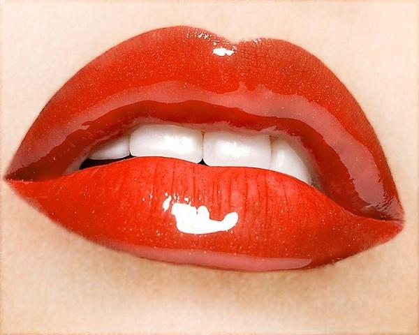 Tips Mengatasi Bibir Agar Tidak Kering
