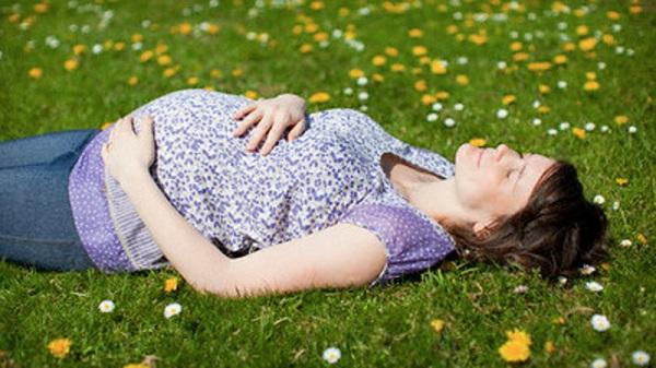 Tips Posisi Tidur Nyenyak Buat Ibu Hamil