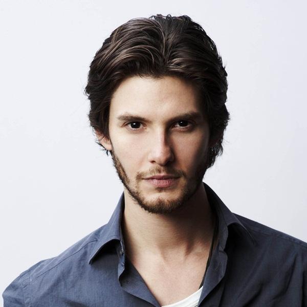 Ben-Barnes-Aktor-Brunette-Handsome-Man-2048x2048