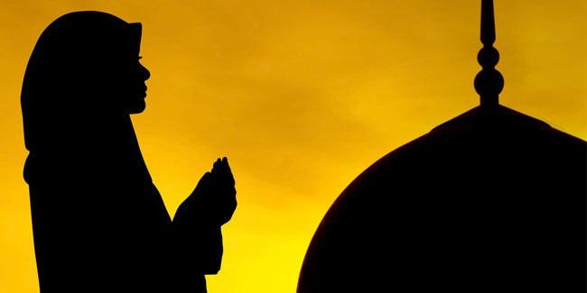 sholawat-sebelum-dan-sesudah-berdoa-penghantar-doa-kepada-allah-swt